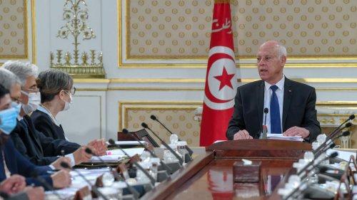Tunisie: le Parlement européen invite le président Saïed à un fonctionnement «normal» des institutions