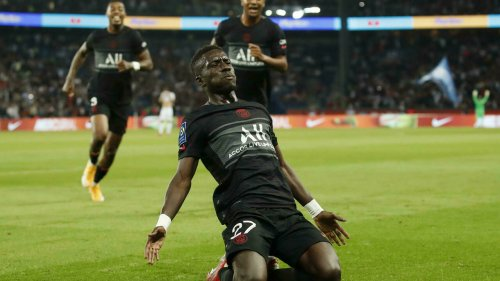 PSG see off Montpellier to maintain perfect start to season