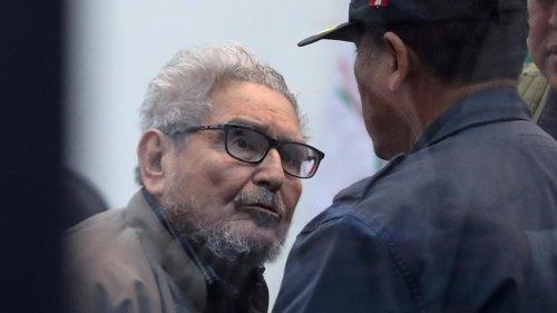 Pérou : le corps d'Abimael Guzman incinéré après une intense polémique