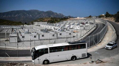 Reportage international - Un nouveau camp de réfugiés ultra sécurisé sur l'île de Samos en Grèce