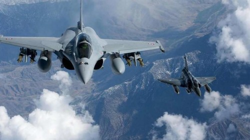 Greece to buy 18 French Rafale fighter jets in €2.5bn deal