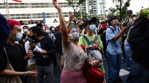 Thaïlande: «Quittons le pays» ou quand les jeunes préfèrent partir face aux dérives de l'État