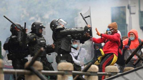 Colombie: la grogne des manifestants contre la réforme fiscale s'intensifie