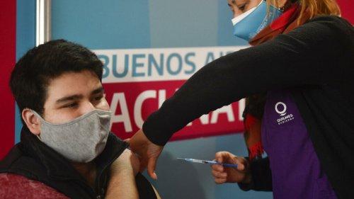 Argentina vacinará brasileiros na região de fronteira e turistas estrangeiros menores de 18 anos