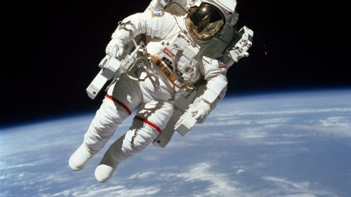 Débat du jour - Pourquoi faut-il encore envoyer des hommes dans l'espace ?