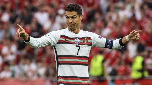 Cristiano Ronaldo fait la promotion de l'eau, Coca-Cola perd 4 milliards de dollars