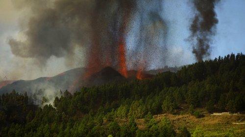 Espagne: le volcan Cumbre Vieja entre en éruption dans l'archipel des Canaries