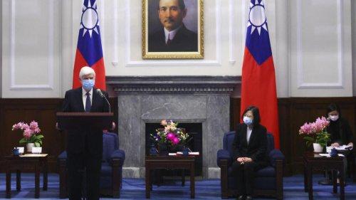 Taïwan: la présidente Tsai Ing-wen reçoit les émissaires de Joe Biden