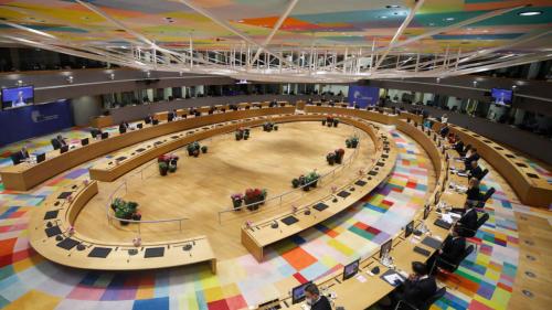 Invité international - Sommet européen: «l'UE est en position de faiblesse pour riposter à l'offensive polonaise»