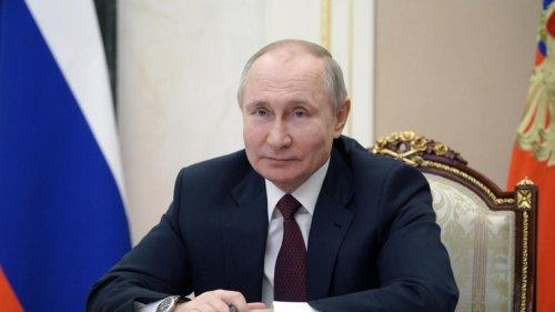 Revue de presse française - À la Une: bruits de bottes russes à la frontière de l'Ukraine, l'Occident hausse le ton