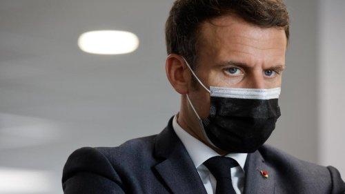 Covid en France: Emmanuel Macron échange avec des maires et continue à préparer la sortie de crise