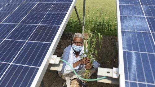 Chronique des matières premières - L'Inde «accro» au charbon opère une difficile transition énergétique