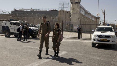 Israël: les deux derniers fugitifs parmi les six évadés de prison capturés