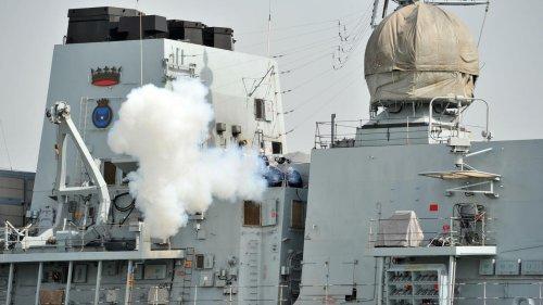 UK warship makes rare transit through Taiwan Strait - RFI