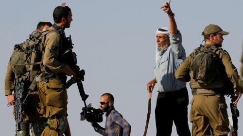 Reportage international - Les colons israéliens, protégés par l'armée, font régner la terreur auprès des Palestiniens