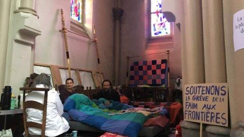 Migrants: une grève de la faim pour dénoncer le harcèlement quotidien des exilés à Calais
