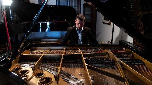 Italian piano maker sees craft threatened with extinction - RFI