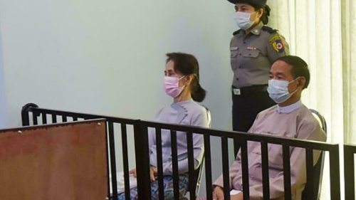 Birmanie: à son procès, l'ex-chef de l'État raconte les premières heures du coup d'État
