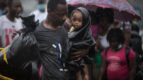 Colombie: des milliers de migrants haïtiens et cubains bloqués dans la ville de Necoclí