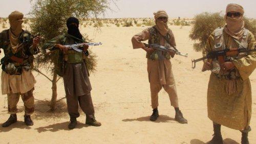 Revue de presse Afrique - À la Une: le Mali veut négocier avec des groupes jihadistes