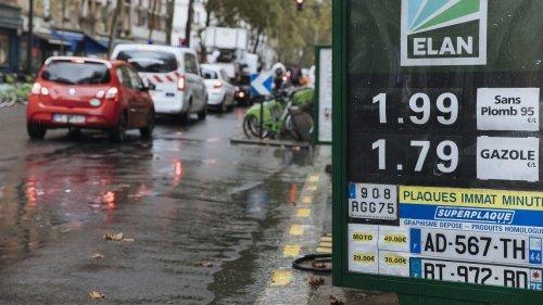 France: la hausse des prix du carburant tend les usagers et le gouvernement