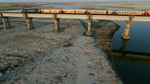 India confirms hundreds of bodies found in Ganges are Covid-19 victims