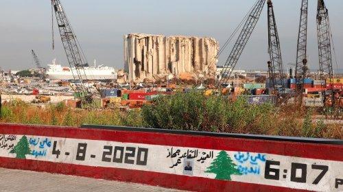 Explosion du port de Beyrouth: nouveau mandat d'arrêt contre un ex-ministre