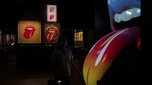 """Rendez-vous culture - L'exposition """"Unzipped"""" à Marseille: plongée dans l'univers des Rolling Stones"""
