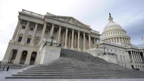 États-Unis: accord au Congrès sur un plan de soutien à l'économie de 900 milliards de dollars