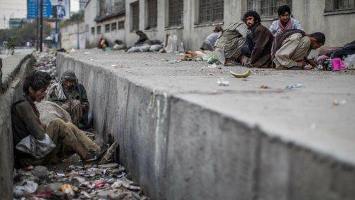 Afghanistan: Washington accorde des exemptions aux sanctions économiques imposées aux talibans