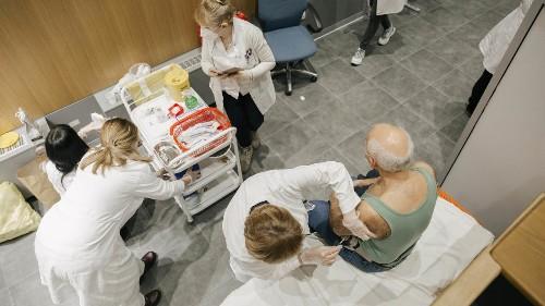 À la Une : Covid-19, les pays des Balkans accélèrent la vaccination