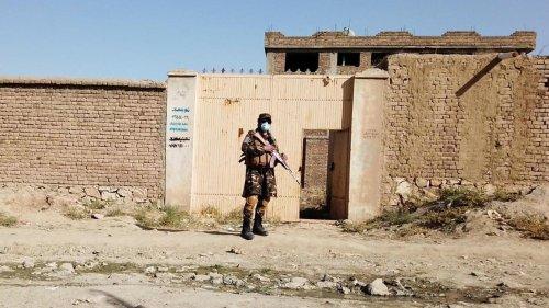Afghanistan: Poutine s'inquiète des terroristes de l'EI qui pourraient s'étendre en Asie centrale