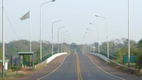 Argentina reabre gradualmente fronteira terrestre de maior trânsito com o Brasil