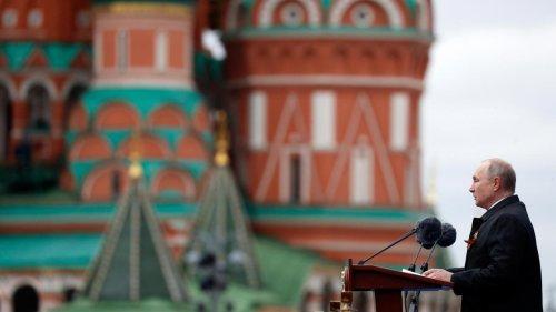 Commémorations de 1945 en Russie: Poutine joue la carte de la confrontation avec l'Occident