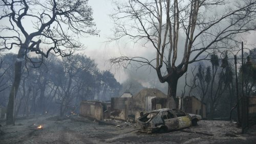 Une vague d'incendies dévastateurs frappe le sud de l'Europe