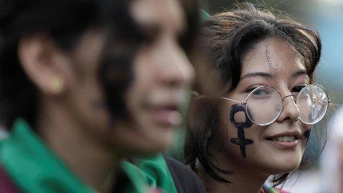 Pérou: inquiétudes des féministes et de la communauté LGBT face au quinquennat à venir