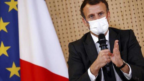 Covid-19 en France: Macron s'accroche à sa promesse de réouverture en mai