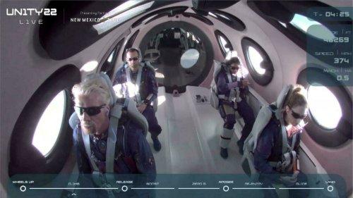 'Experiência única': bilionário britânico vai ao espaço e inaugura era do turismo estelar