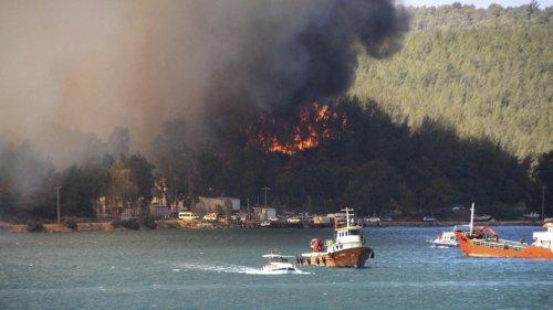 Incendies en Turquie: des touristes évacués à Bodrum, Erdogan critiqué