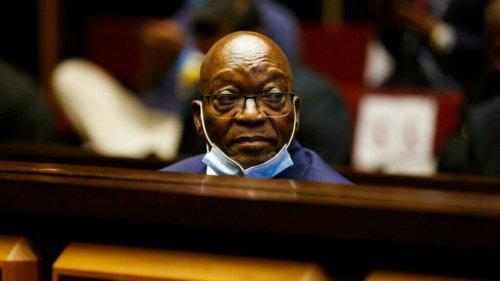 Ex-presidente da África do Sul é condenado à prisão por comissão que ele mesmo criou
