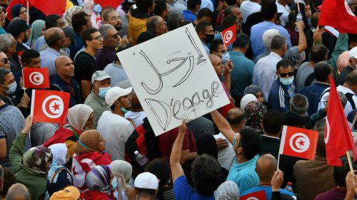 Tunisie: une marche contre le président Kaïs Saïed sous haute surveillance