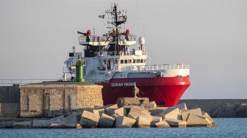 En Méditerranée, l'Ocean Viking à la recherche d'un port sûr pour débarquer 555 migrants