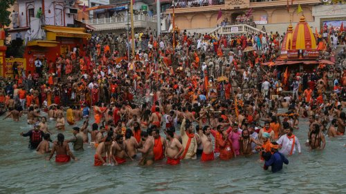 Covid-19 en Inde: des rassemblements religieux massifs malgré le record de contaminations
