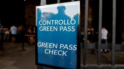 Covid en Italie: le passe sanitaire va être exigé sur tous les lieux de travail