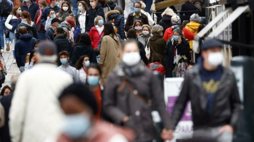 Covid mask-wearing outdoors could end by 30 June, France's medical officer says