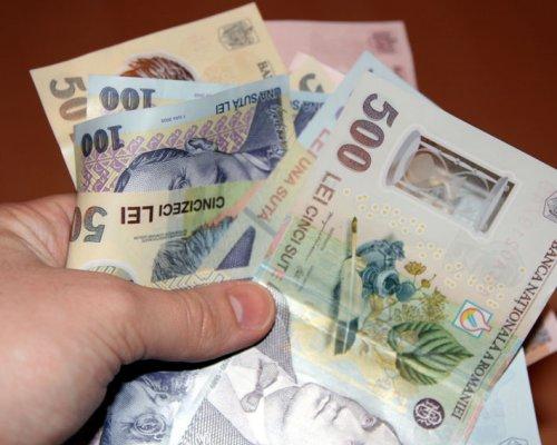 Câștiguri salariale: stagnare în sectorul bugetar; scăderi și creșteri în mediul economic