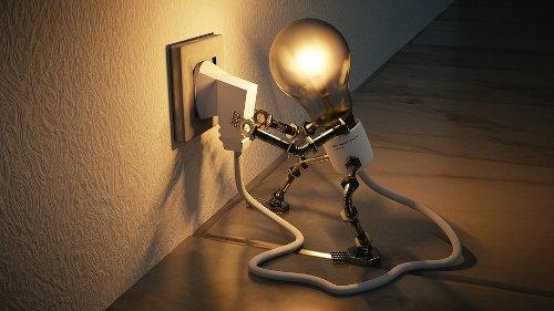 Consumul casnic de energie atinge un nivel record din cauza muncii de acasă