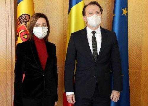 Cetățenii Republicii Moldova s-ar putea vaccina în România, anunță premierul Florin Cîțu