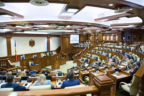 În R.Moldova vor avea loc alegeri anticipate. Dodon: Judecători CC au uzurpat puterea de stat în interese politice