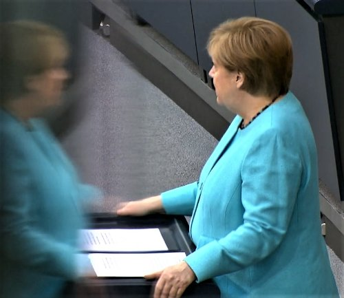 Angela Merkel, mai degrabă pragmatică decât nostalgică la ultima cuvântare în funcția de cancelar